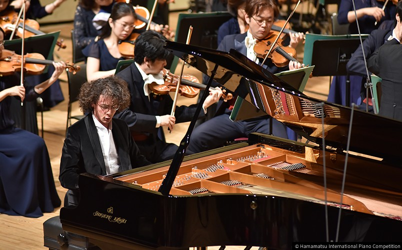 Can Cakmur playing the Shigeru Kawai SK-EX concert grand piano in the final of the 10th Hamamatsu International Piano Competition